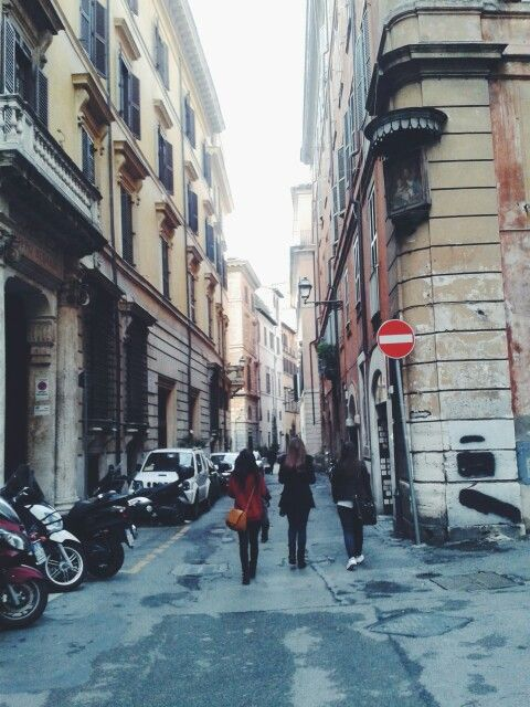 Roads in Rome are awesome
