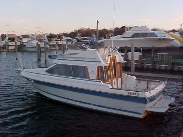 1988 Bayliner Trophy Flybridge Power Boat For Sale - www.yachtworld.com