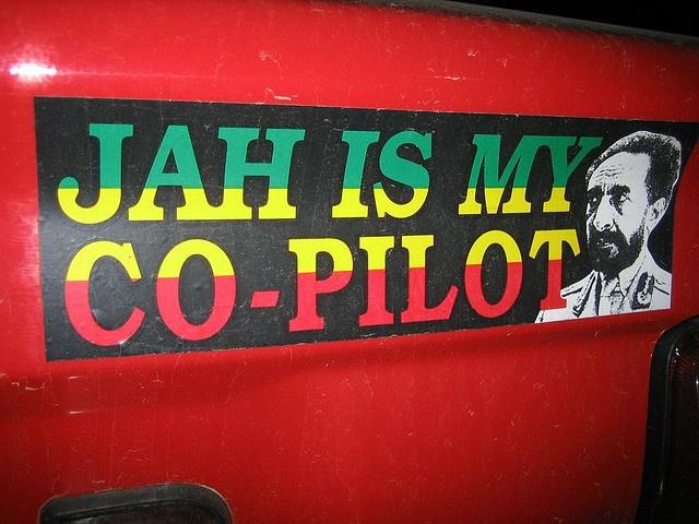 JAH Rastafari es mi co-piloto