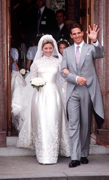 Princess Marie Chantal of Greece マリー-シャンタル、ギリシャ(デンマーク[1][される表彰でないことの](旧姓はeマリー-シャンタル・クレア・ミラー;ロンドン(イングランド)に、1968年9月17日に持って行かれます)の妃殿下)の皇太子妃は、パブロス(ギリシャの追放されたコンスタンティンII王の息子)の妻です。