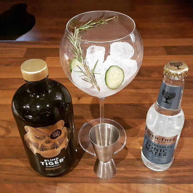 Tonight: Blind Tiger gin with thyme and cucumber Mediterranean tonic water from Fever Tree  #gin #tonic #blindtiger #fevertree #thyme #cucumber #luxembourg #blogger_lu