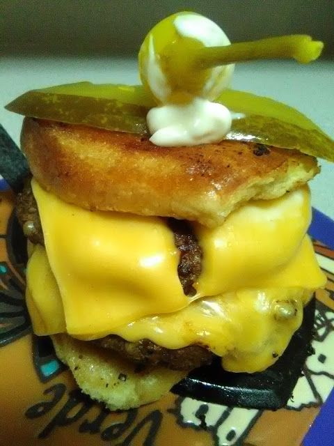 C-Lo's Olio Of Eatz: Devin Bookers GoldN' Boy Double Stack Burger!