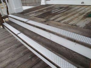 Best Handi Treads® Aluminum Non Slip Stair Treads Nosings 640 x 480