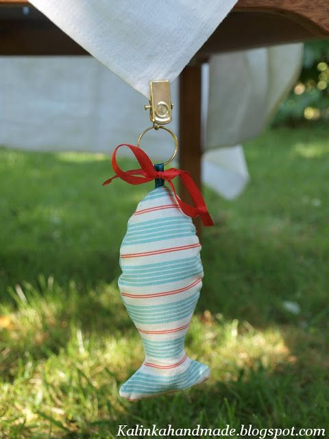 this is perfect to keep your oilcloth tablecloths in place! Kalinka. Ручная работа: Лови, рыбка!