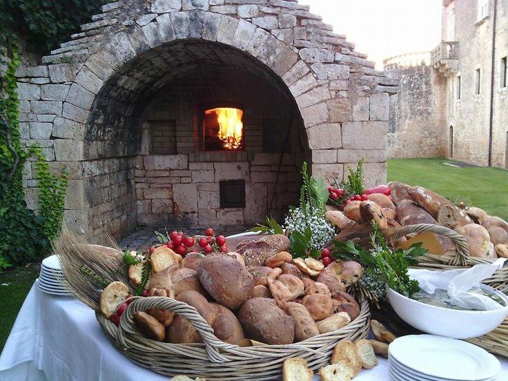 www.castellomarchione.com Castello Marchione - Conversano (BA) (Italia) (www.castellomarchione.com; Facebook: Castello Marchione). Il forno in opera