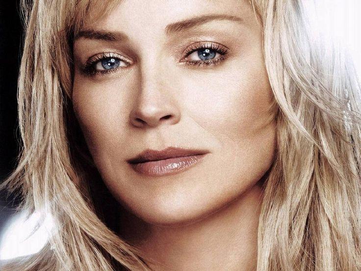 Wallpaper di Sharon Stone con uno splendido primo piano dell'attrice