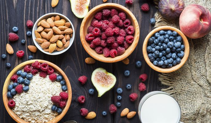 Pancia piatta in un mese? Con la dieta giusta, si può! Basta eliminare cibi che gonfiano e fermentano a vantaggio di un'alimentazione sana e ricca di fibre. Ecco consigli e rimedi per avere la pancia piatta in poco tempo!