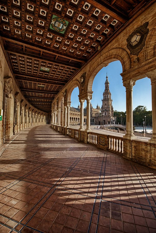 Plaza España - Sevilla- I love the texture from the bricks and the pattern the bricks are laid in. Plus, the shapes that frame the views. And the shade created must be heavenly.