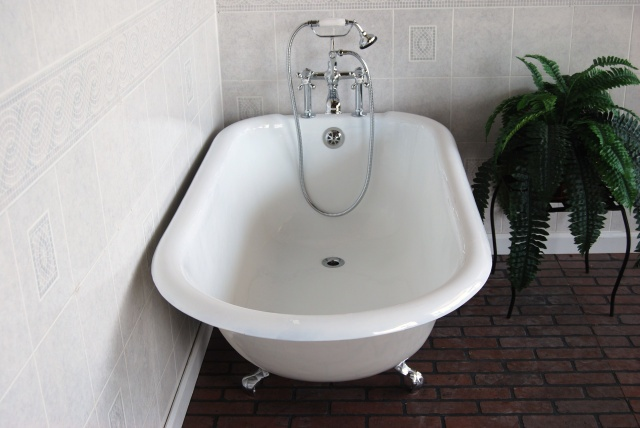 9 Best Images About Dream Bathroom On Pinterest Acrylics Bath Tubs And Cla