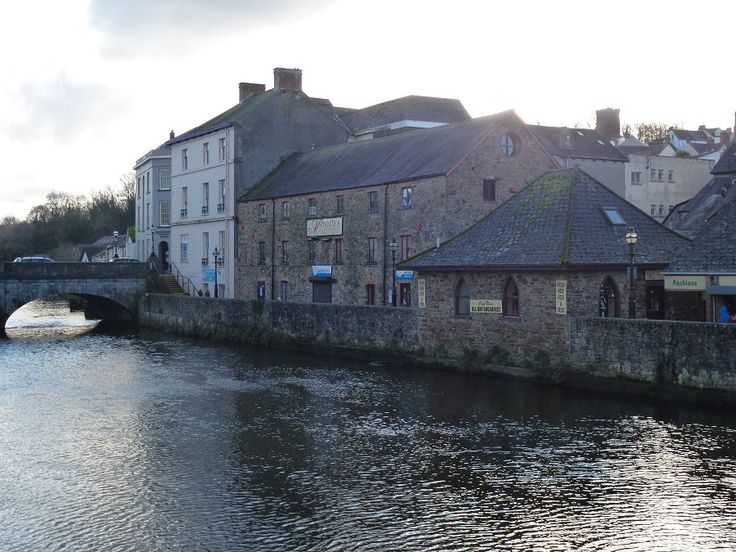 Minnies Haverfordwest -Pembrokeshire, Wales. I used to go dancing with my husband there every weekend!!