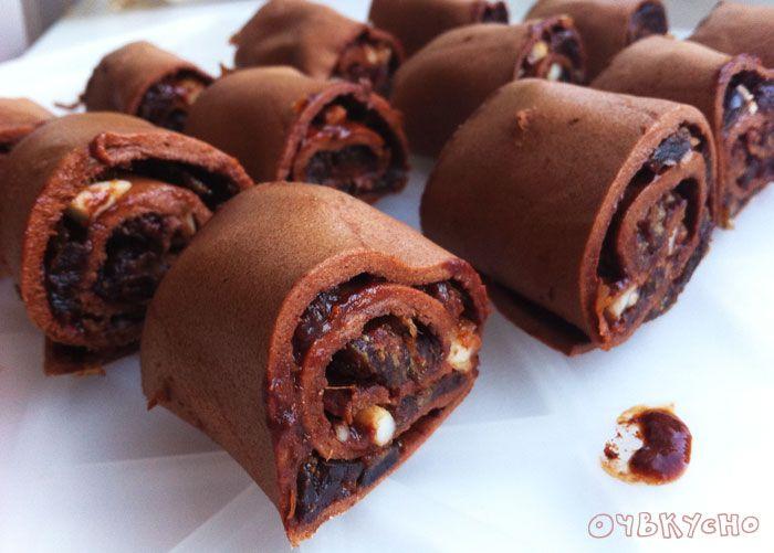Шоколадный рулет с финиками и орехами (дегидратор)