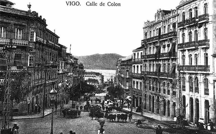 Vista de la calle Colón con el fondo de la Ría de Vigo, sobre el año 1920.