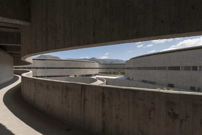 Facultad de Bellas Artes para la Universidad de La Laguna | GPY Arquitectos. Fotografía © José Ramón Oller.