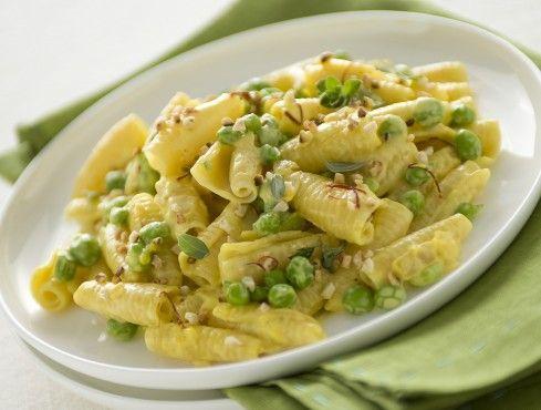 castellane-con-piselli-alla-crema-di-zafferano ricetta
