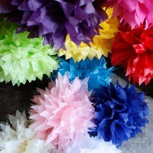 Hoe pompon, pompom, van papieren servet of zakdoek maken - Hobby