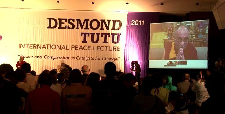 Далай-лама и Десмонд Туту беседовали лицом к лицу, пусть их и разделяли тысячи миль. Это было главным событием 8 октября 2011 года.