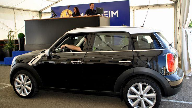 Uno de lo lotes BMW MINI vendidos en una de las subastas de vehículos de ocasión BMW Online en vivo, organizada por Manheim