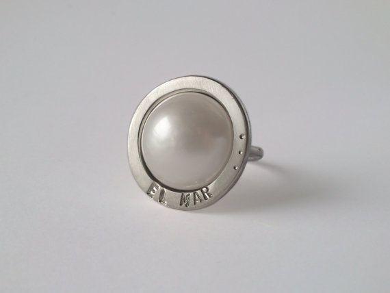 El Mar  Anillo de plata de 1ª ley con perla mabe. por horivert