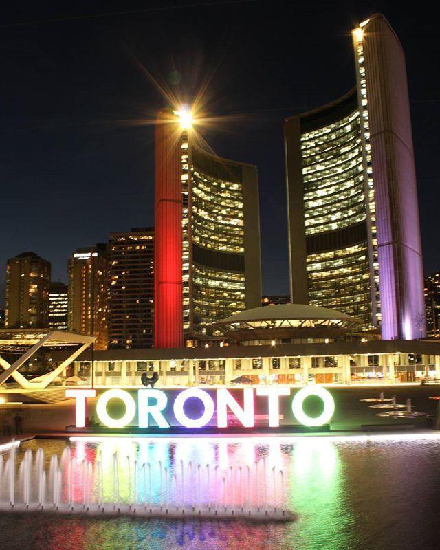 Toronto ❤ #toronto#webstagram #hsdailyfeature #lovetoronto #whileiwasintoronto#createcommune#imagesoftoronto#huffpostcanada#beautifuldestinations#city#architecture #travel#vsco#creatorsclass#CBViews #artofvisuals#torontoclicks #igers#artofvisuals#huffpostgram#peoplescreatives #justgoshoot #neverstopexploring#thecreatorclass#greatnorthcollective#instagood#photooftheday #liveauthentic