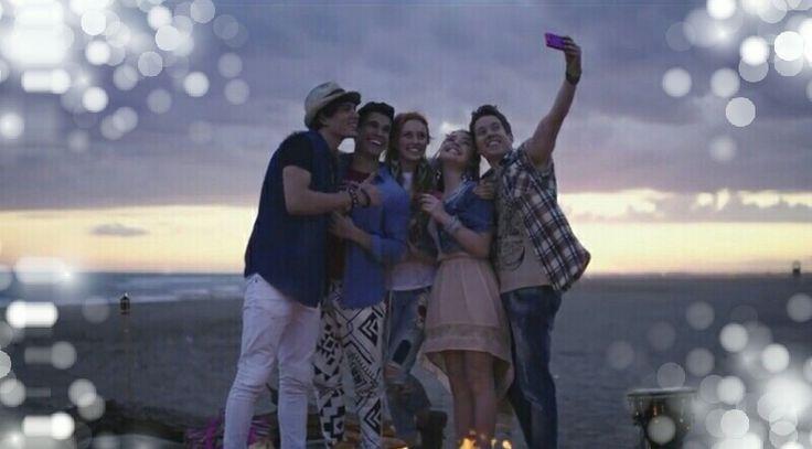 "Maggie e bianca selfie da: ""Infinity Sky"""