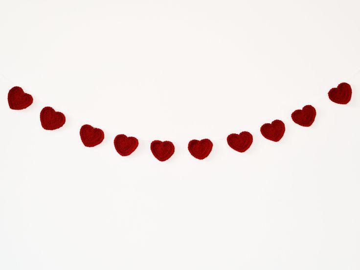 Bandeirola de crochê - Corações vermelhos