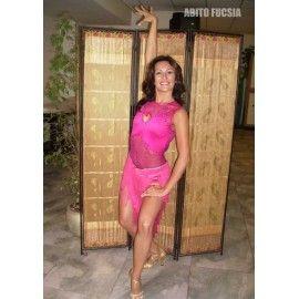 Abito per ballo latino, donna. Realizzato in lycra, rete fucsia.
