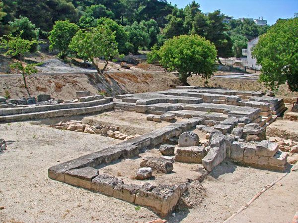 The temple of the #AmmonZeus in Kallithea, Halkidiki is an area of significant archeological interest located only a few minutes away from our hotel! Need more reasons to book? Place your reservation today and save up to 20% on selected dates.