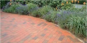 Our team of experienced professionals is expert in laying concrete block paving with highest standards of quality at very decent prices. Get our services to have the best quality outcomes for Driveways in London.