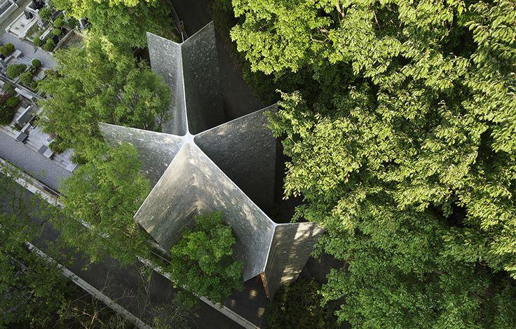 Bönegestformat kapell av Hiroshi Nakamura, foto Koji Fujii – http://www.tidningentra.se/reportage/japansk-harmoni-mellan-byggnad-och-natur #arkitektur i #trä