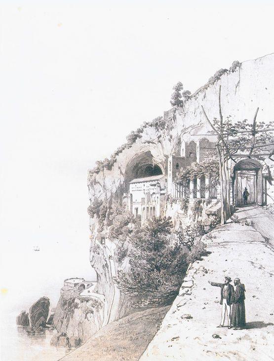 1 - Turisti nel tempo - Frédéric Bourgeois de Mercey - L'albergo-convento di Amalfi è conosciuto da tutti turisti, avendo fatto ognuno, senz'alcun dubbio, il suo pellegrinaggio obbligato. - Nel 1815, il numero dei frati era ridotto fortemente, e si erano riuniti in un altro convento; questo fu abbandonato, e un industriale si stabilì nel fabbricato, che trasformò in hotel, senza toccare la cappella. L'albergo è più curioso che comodo: sono stati soppressi dei tramezzi e di due celle ne…