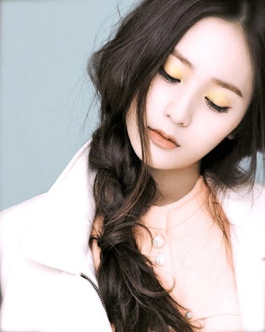 Love the makeup of f(x)'s Krystal!