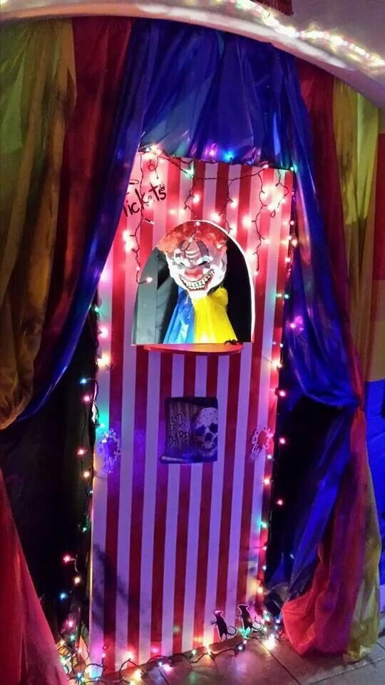 236 best clown and carnival halloween images on Pinterest - circus halloween decorations