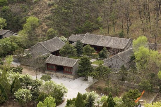 houses with courtyards in the middle | source: http://www.chinaculture.org/gb/en_curiosity/2003-09/24 ...