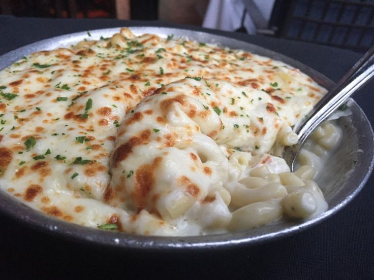 #NationalMacaroniDay is here! Celebrate with these dishes in Newport Beach. http://dinenb.com/blog/mac-n-cheese-dishes-in-newport-beach/