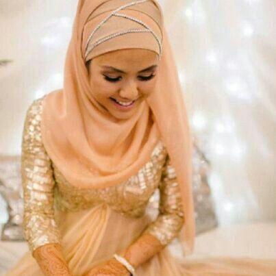 Pretty hijabi bride!