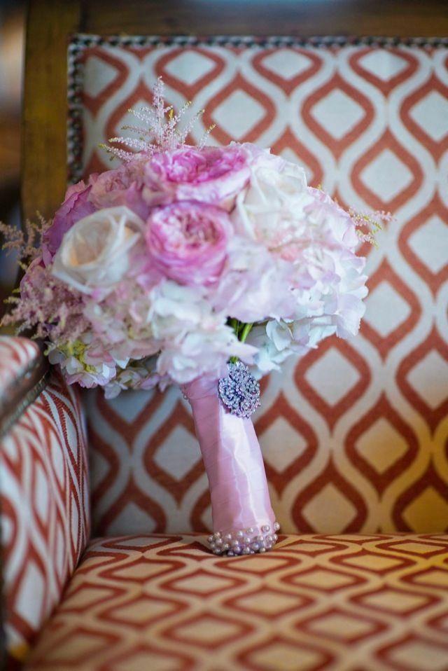 Munaluchi Bride Magazine | Haitian Wedding | Bouquet | Real Weddings