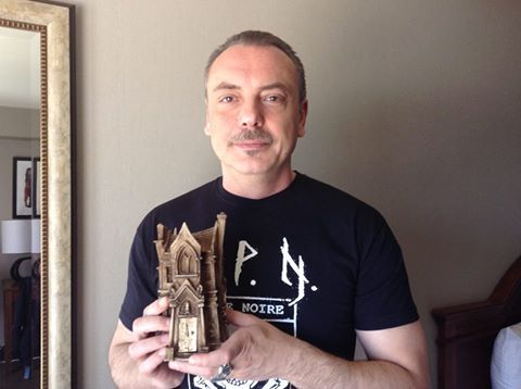 More StokerCon photos! Alessandro Manzetti showing off his Bram Stoker award for his poetry collection, Eden Underground. Only 99c: http://getbook.at/AmazonEden