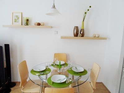 Lime Apartment - Dining area