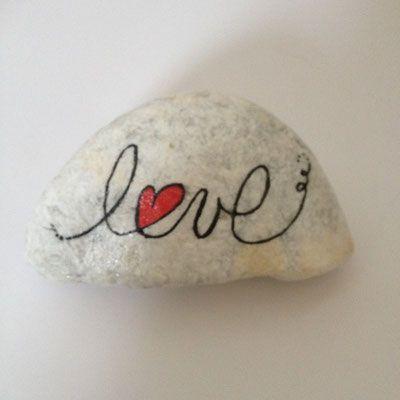 Messages de Vie - Site de carinecreation65 ! #posca #galet #peinture #mandala #message #amour #vie #ensemble