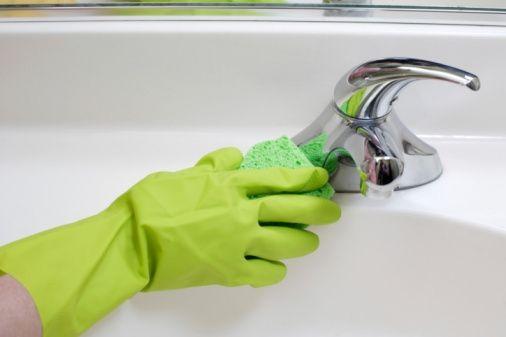 Il calcare: come eliminarlo dal bagno ... rispettando l'ambiente | Come Pulire
