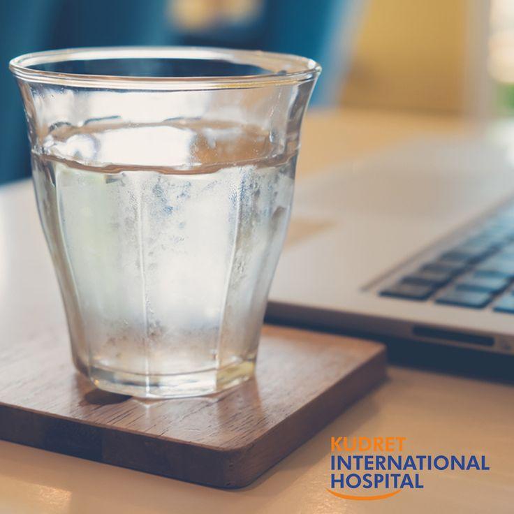 Su içme alışkanlığınızı arttırmak için, ofis masanızda su bulundurabilirsiniz. #kudretinternational #ankara #turkey #turkiye #hastane #hospital #sağlık #health #healthy #hospital