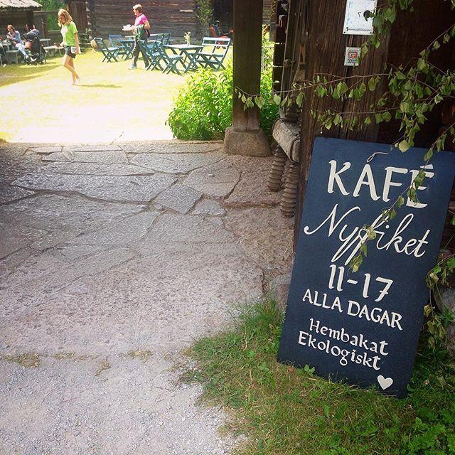 Finlunch! Surdegspizza med Hansjöost, ekologiska rödbetor och ekologisk ramslöksdressing. ❤👌🏼 ️ #detskavagöttåleva…