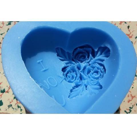 Molde 3D em Silicone Formato Coração com Rosas e I LOVE YOU para Preparo de Sabonetes,Chocolates, Fondant