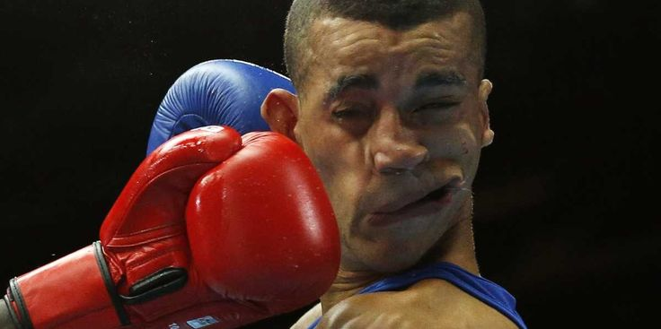 #KnockOut  #KO  Read more: http://www.businessinsider.com/most-mesmerizing-sports-photos-2014-12?op=1#ixzz3MKasLmrI http://www.businessinsider.com/most-mesmerizing-sports-photos-2014-12 via @BI_Sports