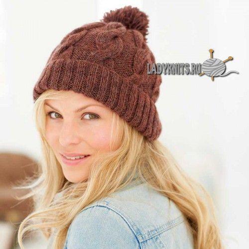 Вязаная спицами простая женская шапка с косами