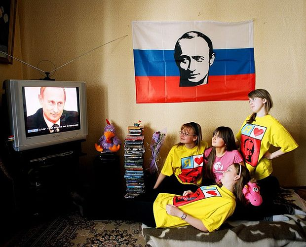 SURPRISING PORTRAITS OF RUSSIAN TEENS WHO LOVE AND IDOLIZE VLADIMIR PUTIN