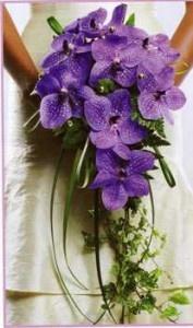 Ramo de novia con orquídeas lila