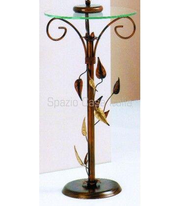 #tavolino alto #portaoggetti realizzato artigianalmente in #ferrobattuto decorato con foglie, piano in vetro. In #offerta a €59,92
