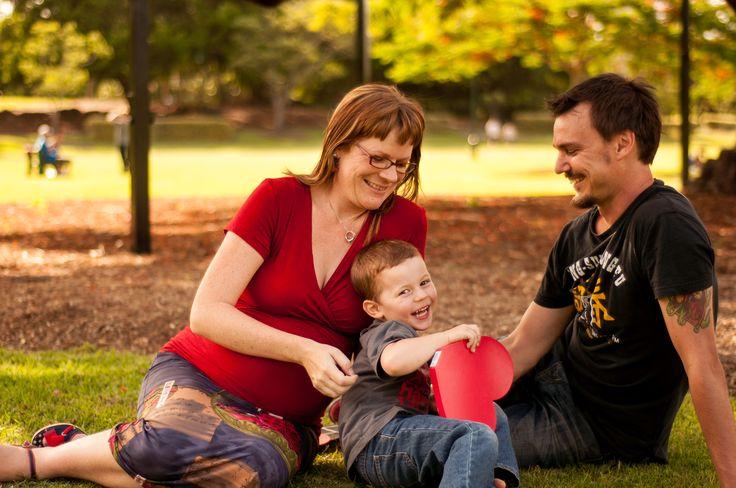 Brisbane Maternity Photographer || Maternity Photos outdoors  © Photographs by Grace 2012 #familyphotography #maternityphotography