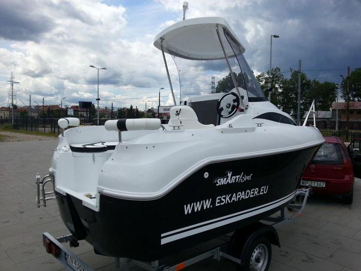 ŁÓDŹ MOTOROWA ESKAPADER Smart Fisher 46 PILOT (Sport i Turystyka Turystyka Pontony i łodzie Łódki)